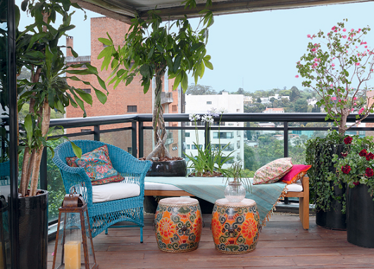 Como decorar una terraza con encanto hoy lowcost for Decorar patios grandes