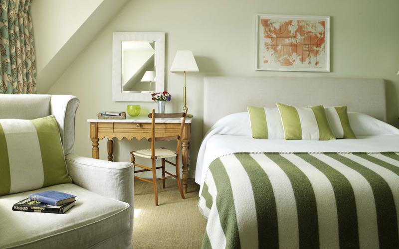 dormitorios acogedores con escritorio