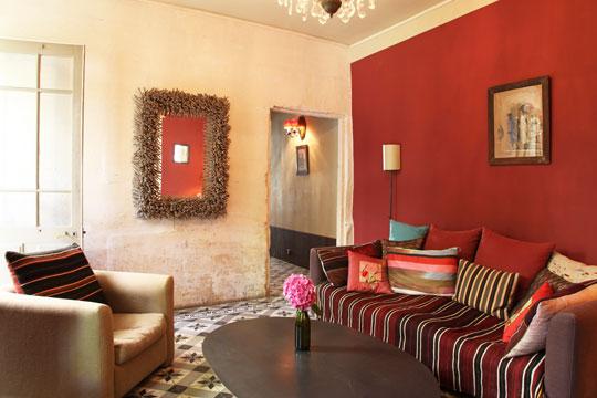 Salon rojo y beige hoy lowcost - Salon con sofa rojo ...