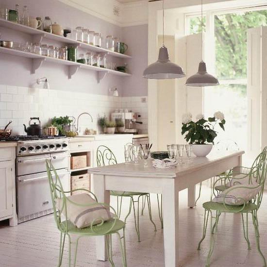 mesas y sillas estilo vintage