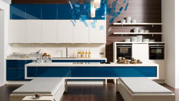 cocinas-blancas-y-azul-innovacion