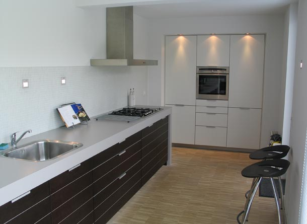Nuevas ideas para decorar cocinas en el 2018 hoy lowcost - Reformar cocina pequena ...
