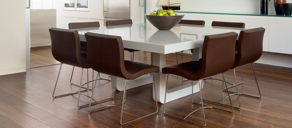 sillas-de-comedor-marrones-modernas