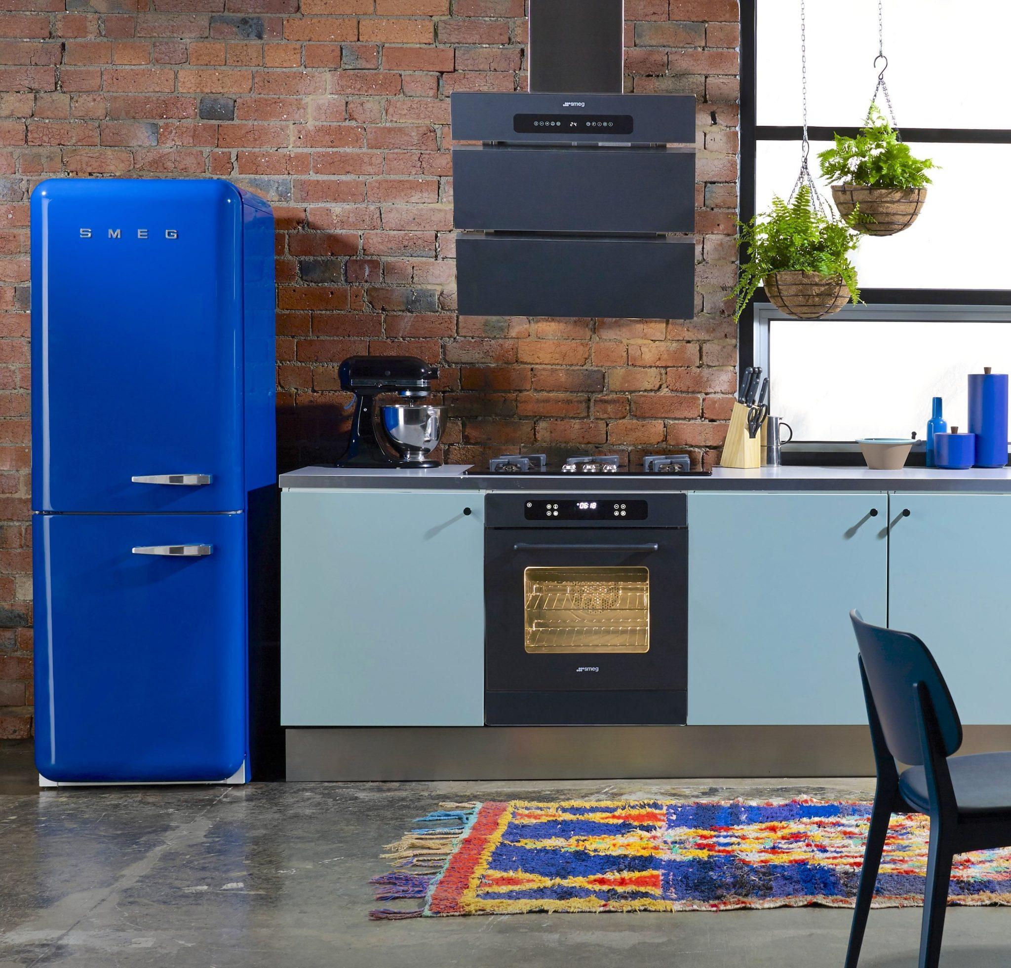 Cocinas azules 2017 la cocina m s original hoylowcost for Decoracion de cocinas 2016