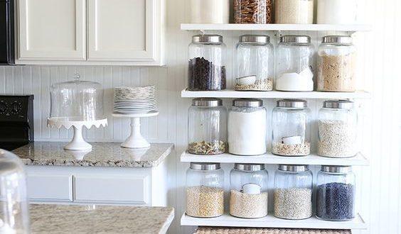 Organizacion cocina estanterias hoy lowcost for Estanteria auxiliar cocina