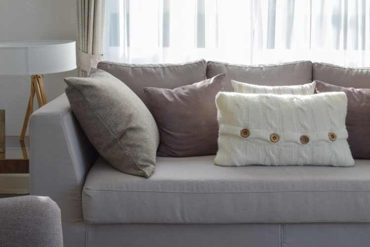 Cojines para sof s 2017 el accesorio perfecto hoylowcost for Cojines para sofas