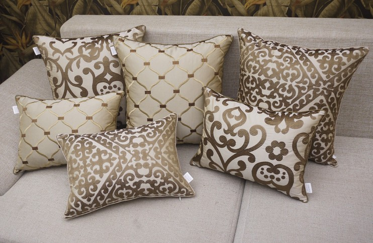 Cojines para sof s 2017 el accesorio perfecto hoylowcost - Las mejores marcas de sofas ...