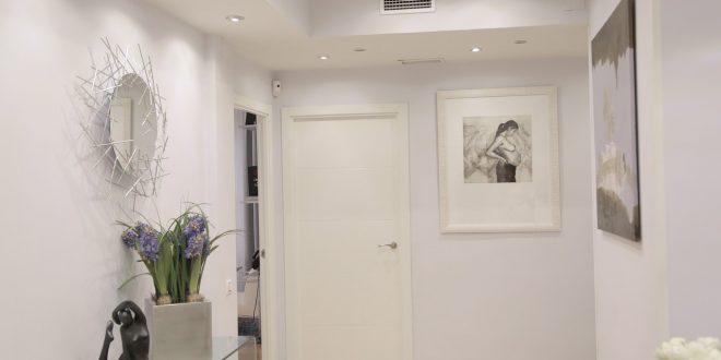Diseño de recibidores con espejo, la solución para tu entrada