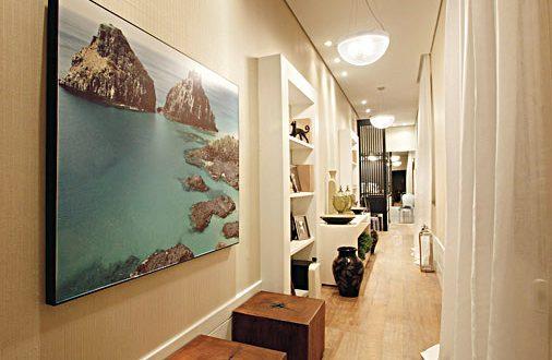 Resultat d'imatges de decoracion de pasillos largos